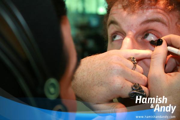 jack-eye-liner-hamish-andy-4-600x400