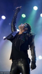 Adam Lambert Commands the Stage with Queen in Kiev!