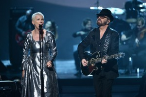 Eurythmics-Dave-Stewart-and-Annie-Lennox-Beatles-1024x684