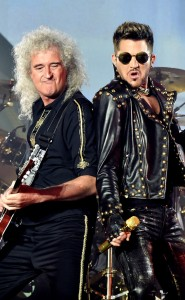 VH-1's Nik Carter Backstage With Brian May + Adam Lambert